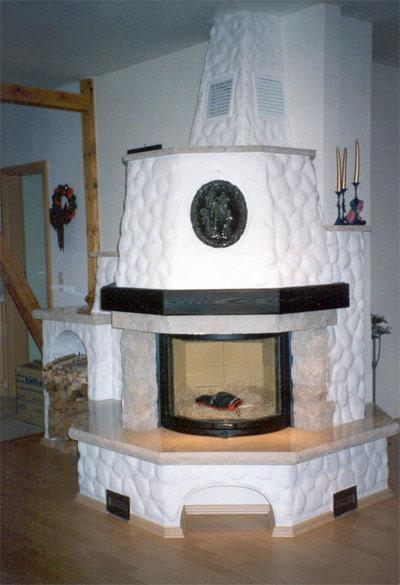 kamin rustikal mit sitzfl che raum und m beldesign. Black Bedroom Furniture Sets. Home Design Ideas
