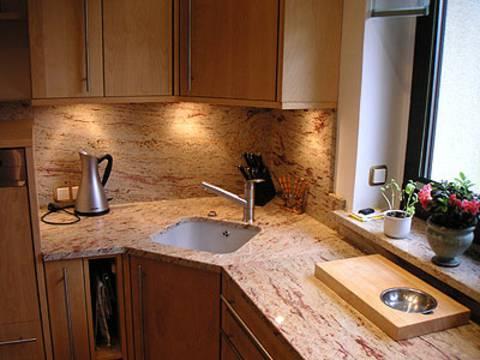 k chenarbeitsplatte aus granit shivakashi hollerung restaurierung gmbh hollerung terrazzo. Black Bedroom Furniture Sets. Home Design Ideas